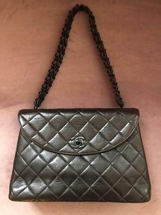 6fc42c2418bb Plateforme de ventes aux enchères en ligne Catawiki : Chanel Sac en  bandoulière