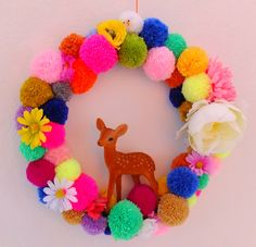 jans sister: Photo Project Table # 41 Pom Pom wreath with deer Craft Projects, Diy And Crafts, Crafts For Kids, Projects To Try, Arts And Crafts, Pom Pom Wreath, Pom Poms, Christmas Crafts, Christmas Decorations