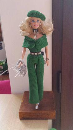 He encontrado este interesante anuncio de Etsy en https://www.etsy.com/es/listing/243806177/vestito-verde-per-barbie