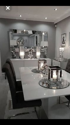 Create an amazing dinner room decor with our inspi Dining Room Table Decor, Decor Home Living Room, Glam Living Room, Elegant Dining Room, Luxury Dining Room, Dining Room Sets, Dining Room Design, Home Decor, Dinning Table Decorations