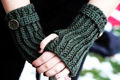 cutecrocs.com crochet gloves (37) #crocheting