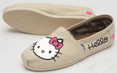 Hello Kitty Custom Painted TOMS Classic Womens por ArtsAndSoles