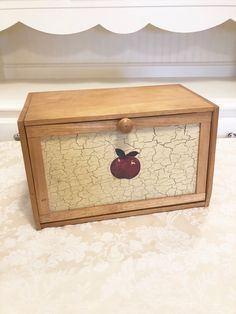 Your place to buy and sell all things handmade Wooden Bread Box, Bread Boxes, Wooden Boxes, Primitive Kitchen, Country Kitchen, Red Apple, Wood Design, Farm House, Decorative Boxes