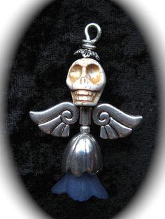 """Inte som andra änglar… """"vit/blå"""" - En lite annorlunda ängel, men ja..."""