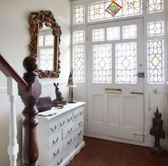 New Home Interior Design: Step inside this light-filled Edwardian terrace Edwardian Hallway, Edwardian Haus, Edwardian Style, Victorian, Style At Home, Bright Hallway, Beautiful Front Doors, Hallway Inspiration, Hallway Ideas