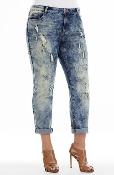 Acid Wash Straight Leg Jean | acidwash | Style No: J3097 Stretch Acid wash Denim Straight leg jean. This jean has leg rips. It features front pockets and 2 back pockets that feature a stitch detail. This Jean looks great with the hem turned up or not. Inner leg length 73cm #dreamdiva #dreamdivafiles #fashion #plussize Plus Size Jeans, Looks Great, Diva, Bridge, Pockets, Legs, Stitch, Detail, Style
