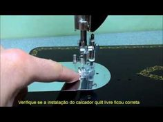 Como instalar o calcador de quilt livre na máquina de costura Singer 15C - YouTube Machine Embroidery, Give It To Me, Patches, Quilts, Sewing, Sewing Machine Accessories, Free Sewing, Sewing Accessories, Quilt Table Runners