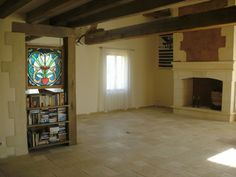 The Country Mix Travertine offers a beautiful rustic feel, in our customer's home in France.