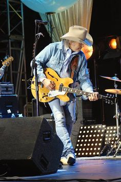 Dwight Yoakam at Annenberg Space for Photography, Saturday August 8th 2015