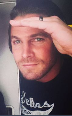 Stephen Amell...bloody gorgeous ❤️❤️