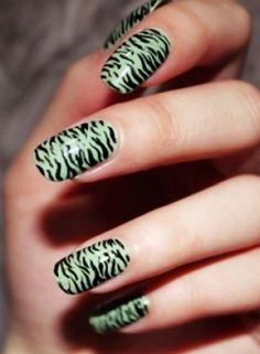 Another touch of the zebra. Zebra Stripe Nails, Zebra Print Nails, Nail Salon And Spa, Green Zebra, Nails Polish, Exotic Nails, Toe Nail Designs, Nails Design, Beautiful Nail Designs
