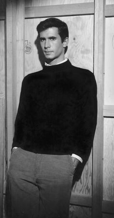 Photo of Anthony Perkins for fans of Psycho. Anthony Perkins as Norman Bates. Anthony Perkins, Norman Bates, Classic Movie Stars, Classic Movies, Classic Hollywood, Old Hollywood, Photo Vintage, Best Supporting Actor, Great Films