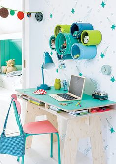 This marine plywood desk is super easy to make and can be done in a day. Dress up a child's bedroom with a compact and practical desk. Mount recycled paint cans spray painted in bold Rust-Oleum spray paint colours for storage or display. - See more at: http://www.home-dzine.co.za/diy/diy-plywood-study-desk.html#sthash.GMd54JN2.dpuf