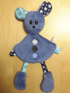 Doudou # starry # to - Nähprojekte Baby Sewing Projects, Sewing For Kids, Sewing Crafts, Baby Couture, Couture Sewing, Fabric Toys, Fabric Crafts, Softies, Sewing Dolls