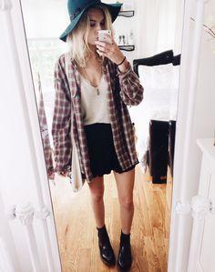 heel mooie en heel makkelijke outfit, zoiets heb je vast wel in je kledingkast hangen, je moet het alleen nog als een outfit gaan benoemen;)