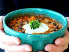 Black Bean, Sweet Potato, and Quinoa Chili with smoky chipotle via ambitiouskitchen.com