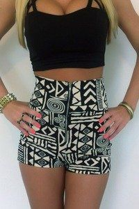 Patterned high waisted shorts cute !! This with the shorts shirts is the thing right now - I refuse to show my belly