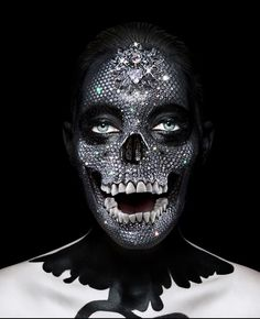 A look at 27 images by John Rankin Waddell, (this one uses Damien Hirst's Diamond skull composited with a photo). Rankin Photography, Art Photography, Fashion Photography, Crane, John Rankin, Myths & Monsters, Diamond Skull, Damien Hirst, Skull Art