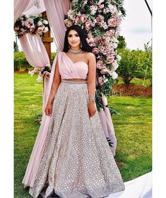 Party Wear Indian Dresses, Designer Party Wear Dresses, Indian Bridal Outfits, Indian Gowns Dresses, Indian Fashion Dresses, Dress Indian Style, Indian Designer Outfits, Indian Engagement Outfit, Engagement Outfits