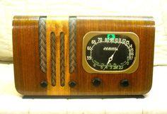 Old Antique Wood Howard Vintage Tube Radio - Restored & Working w/ Tuning Eye! #Howard