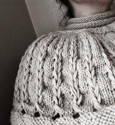 Warm mini sweater cowl. Can be worn any season :) Happy how it looks. More information about this cowl: http://3rabbitspatterns.blogspot.co.uk/2015/04/mini-sweater-cowl.html