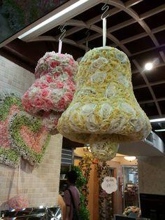 Wedding flower bell - primary source