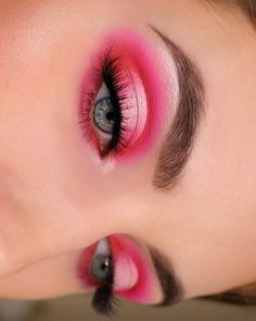 I love this pink look for Valentine's Day! I did this look using the Morphe jame. - I love this pink look for Valentine's Day! I did this look using the Morphe james Charles palette - Pink Eyeshadow Look, Pink Eye Makeup, Colorful Eye Makeup, Glam Makeup, Eyeshadow Makeup, Makeup Inspo, Makeup Ideas, Makeup Brushes, Makeup Tips