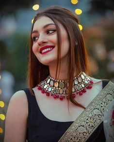 Indian Bridal Fashion, Indian Fashion Dresses, Indian Wedding Outfits, Indian Designer Outfits, Bridal Outfits, Indian Wedding Makeup, Arab Fashion, Fashion Beauty, Wedding Dresses