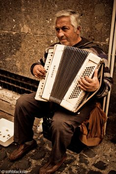 Accordion - Roma, Italy