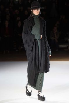 Yohji Yamamoto Fall 2015 Ready-to-Wear - Collection - Gallery - Style.com   Without the fur...love it...