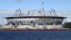 El Zenit Arena se ubica en San Petersburgo y tiene una capacidad de 69.500 espectadores.
