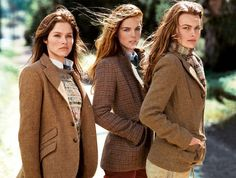 Ladies in Tweed from Ralph Lauren scarfs and sweaters under jackets Estilo Fashion, Look Fashion, Street Fashion, Classic Fashion, Fall Fashion, Classic Style, Fashion Trends, Style Anglais, Pijamas Women