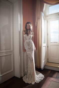 Another breathtaking collection from @bertabridal  See the Fall 2015 collection at http://www.weddingdressexpert.co.uk/dress-gallery/?filtering=1&filter_designer=517