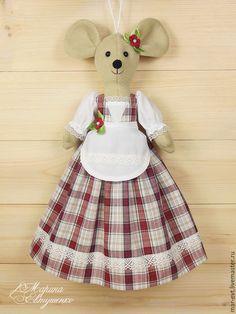Sewing Hacks, Sewing Crafts, Doll Home, Dress Tutorials, Child Doll, Felt Toys, Stuffed Toys Patterns, Fabric Dolls, Handmade Toys