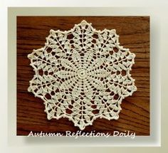 crochet doilies These free crochet doily patterns are suitable for beginners or more advanced crocheters and made using simple or more complicated crochet stitches. Col Crochet, Crochet Dollies, Crochet Home, Thread Crochet, Filet Crochet, Irish Crochet, Crochet Motif, Crochet Crafts, Crochet Stitches