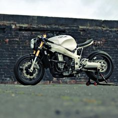 After Bill Webb's ZX7 Ninja was stolen and trashed, he rebuilt it as a 'cafe fighter.'