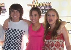Mitchell Musso, Miley Cyrus and Emily Osment Mitchell Musso, Hannah Montana Forever, Miley Cyrus Pictures, Miley Stewart, The Cheetah Girls, Young & Hungry, Spy Kids, Emily Osment, Alexander Ludwig