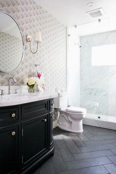 Chic Beach Bathroom #BlueBathroomPaint #Bathroomideashos  Code: 7109706281