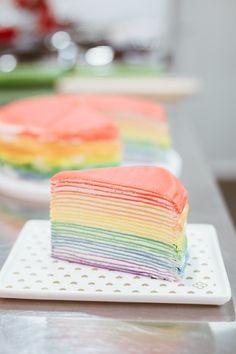 Crepe Recipes, Fun Baking Recipes, Sweet Recipes, Snack Recipes, Dessert Recipes, Dessert Kawaii, Crape Cake, Cake Wallpaper, Rainbow Food