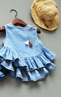 This is such a cute baby dress. Cute Baby Dresses, Little Dresses, Girls Dresses, Summer Dresses, Kids Frocks Design, Frock Design, Baby Sewing, Indian Dresses, Dress Collection