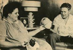 Barbara y Elvis, 1956 ~ Barbara and Elvis, 1956 Barbara Hearn Smith fue la novia durante un año de una de las figuras más famo...