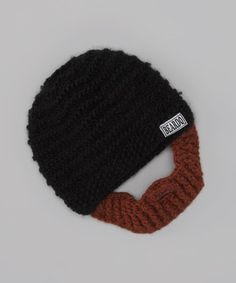 Aspiring lumberjacks—or outdoor enthusiasts of any stripe—can keep their noggins cozy with these soft and stretchy accessories. The included beard conveniently attaches to the inside of the warm beanie via two hook and loop panels, making this fun pair interchangeable with other Beardo sets!