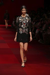 Dolce & Gabbana Women Summer Fashion Show 2015