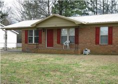 MLS#421931  3 Bedrooms, 2 Bathrooms, 1080 SqFt  Great Starter Home Comes with Washer & Dryer!  West Decatur, Brookhaven, Austin School District in #Decatur #Alabama  #RealtorJudySmith #REMAXPlatinum