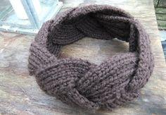 D´jo hanne: Ska´du ha´varmet ørerne? Diy And Crafts, Knit Crochet, Crochet Patterns, Knitting, Artsy Fartsy, Fashion, Ska, Threading, Creative