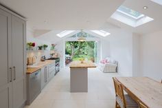 Very nice rear extension.london sky light home kitchen living room modern contemporary Kitchen Diner Extension, Open Plan Kitchen, Kitchen Without Wall Units, Kitchen Units, Island Kitchen, Kitchen Counters, Kitchen Flooring, Kitchen Living, New Kitchen