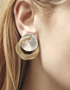 Disc and Interlocking Ring Earring