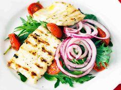 Paahdettu tomaatti-halloumisalaatti - Reseptit - Yhteishyvä Halloumi, Pasta Salad, Bbq, Ethnic Recipes, Koti, Barbecue, Barbacoa, Barrel Smoker, Cold Noodle Salads