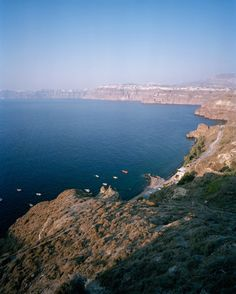 #greece #santorini #greekislands #travel #photography #mediterranean #sea #cliff #caldera #summer #blue #vertical