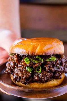 Korean Beef Sloppy Joes Chef approved recipes for dinners and desserts.This post may contain affiliate links. Read my .Korean Beef Sloppy Joes made with sweet and s Korean Ground Beef, Comida Latina, Food Test, Le Diner, Food Shows, Beef Dishes, Meat Dish, Ground Beef Recipes, Chefs